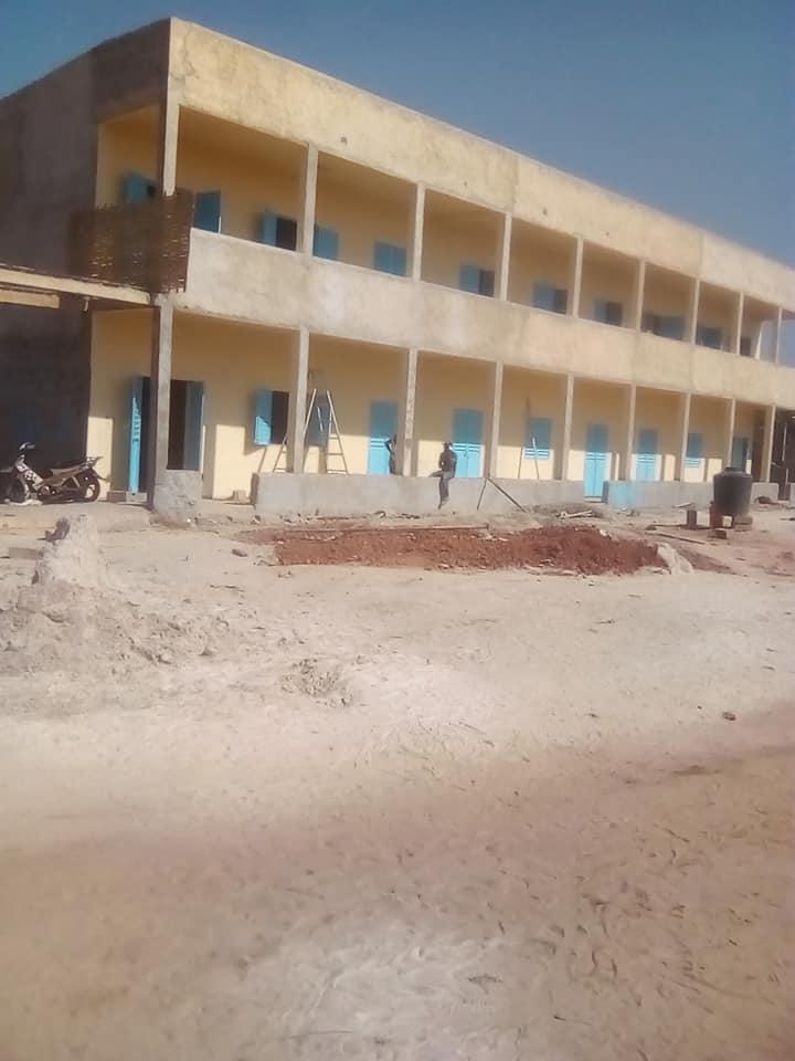 Skola u izgradnji, Bambali