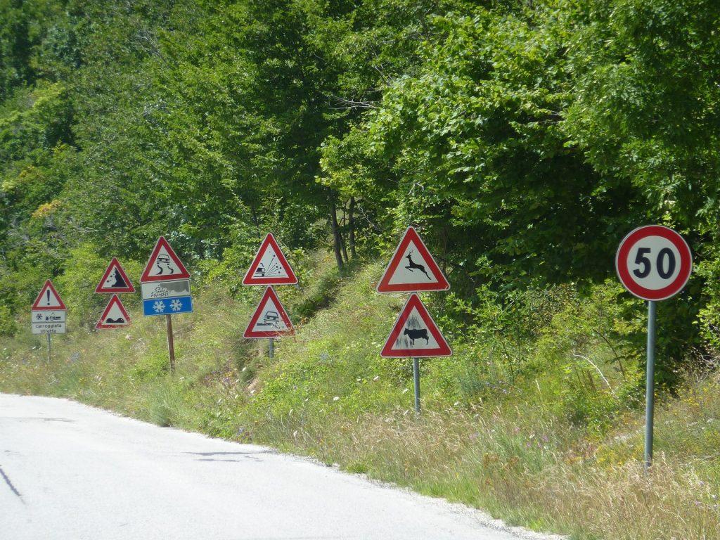 saobracajni znakovi